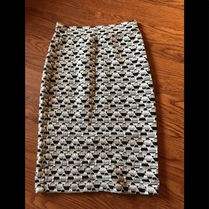 Gilli black and white print skirt